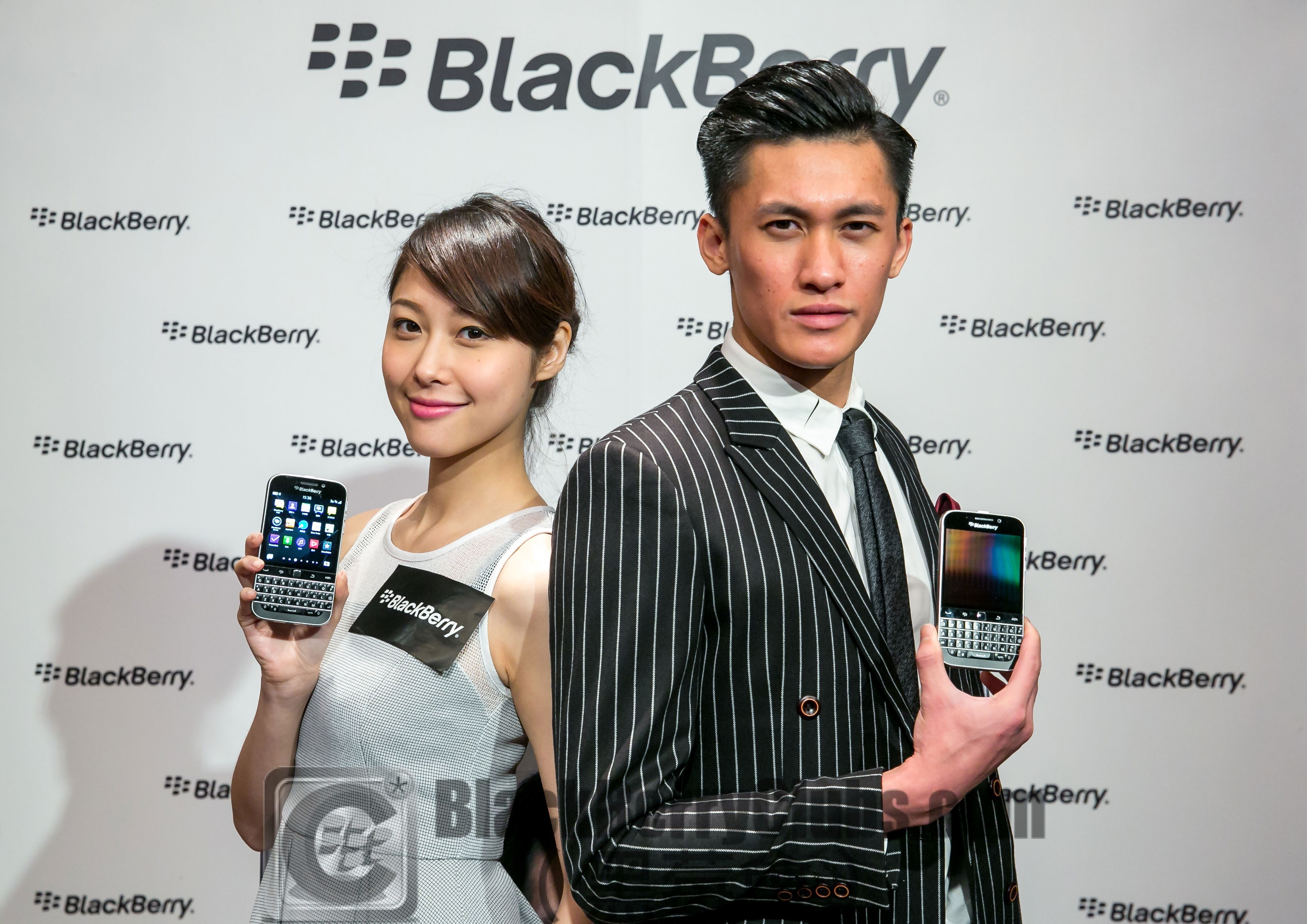Models holding BlackBerry Classic 2